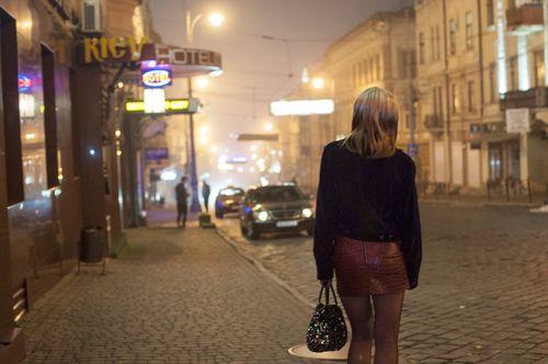 Почему мужчины киева снимают проституток?